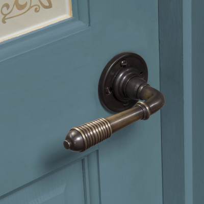 Aged Bronze Reeded Lever Handle