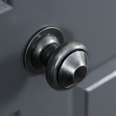 Pewter Regency Centre Door Knob